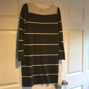 GAP grey cream sweater dress